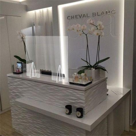 Beauty Salon Reception Ideas, Small Beauty Salon Ideas, Salon Reception Desk, Reception Desk Design, Dental Reception, Office Reception, Reception Areas, Small Salon Designs, Nail Salon Decor