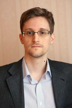 Top quotes by Edward Snowden-https://s-media-cache-ak0.pinimg.com/474x/97/53/23/975323b4d5f0ab0eb9d589840965d290.jpg