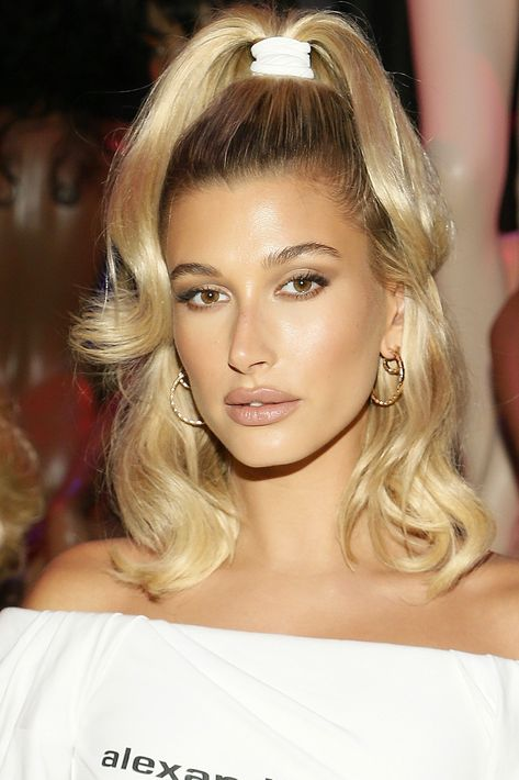 Bella Hadid, Kylie Jenner, Gizele Oliveira and Hailey Bieber, who sported the look front row at the Alexander Wang show at New York Fashion Week, have all been spotted wearing the… 2000s Hairstyles, Retro Hairstyles, Party Hairstyles, Wedding Hairstyles, Homecoming Hairstyles, High Ponytail Hairstyles, Hairstyles Videos, Fashion Hairstyles, Bandana Hairstyles