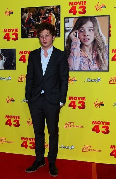 Pin By Debora Pennington On Jeremy Allen White Jeremy Allen White Allen White Movie 43