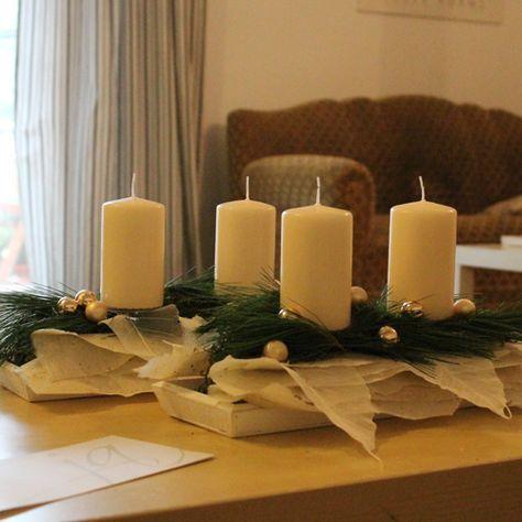 Edler Adventskranz In Langlicher Form Helle Kerzen Und