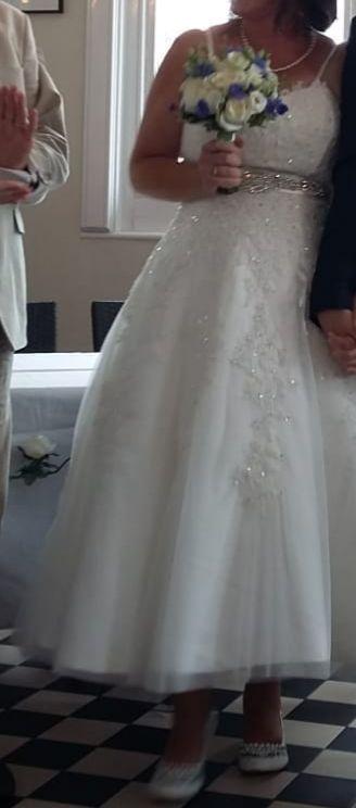 Handmade Ivory Wedding Dress Size 16 Sell My Wedding Dress 550 00 In Stock Sell My Wedding Dress Sell Your Wedding Dress Luxury Wedding Dress