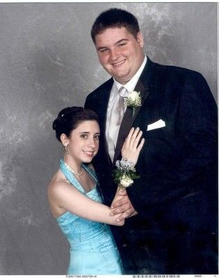 Congratulations to our awkward couples winners, Josh and Amy, for proving that size really doesn't matter - actually in this case it kind of does matter. Creepy