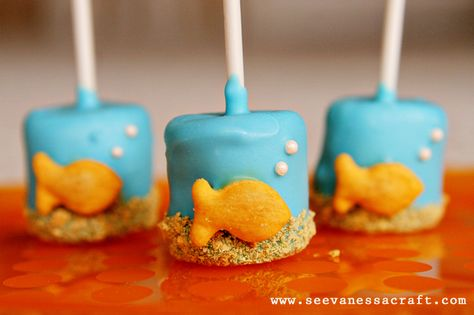 "We love these chocolate covered marshmallows-- we think you'll ""sea"" why! tutorial at: http://seevanessacraft.com/2012/07/diy-tutorial-goldfish-marshmallow-pops/"
