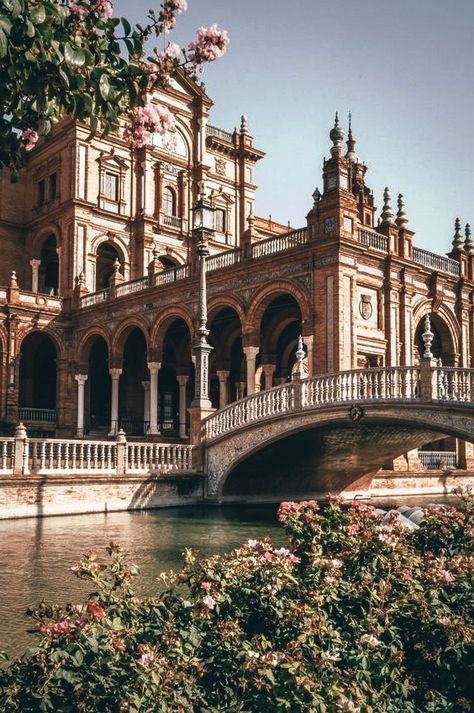 11 Best Things To Do In Seville, Spain - Travel Destinations Beautiful Architecture, Beautiful Buildings, The Places Youll Go, Places To Go, Seville Spain, Travel Aesthetic, Beautiful Places To Visit, Pretty Pictures, Aesthetic Pictures