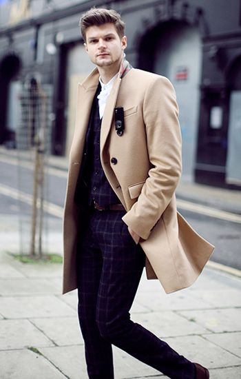 Jim is one of my favourite male YouTubers, but I also appreciate how he is always impeccably dressed. Whether it's casual or red carpet smart, he looks amazing. A guy with good style adds major points in my books.