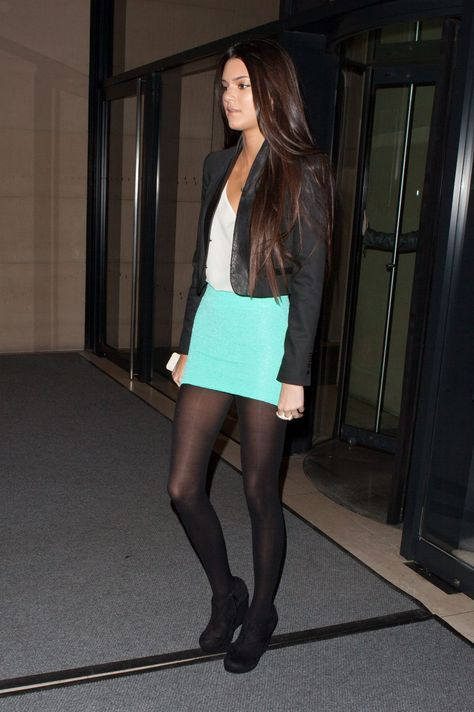 Kendall Jenner In Pantyhose Http Stockings Celebs Blogspot Com