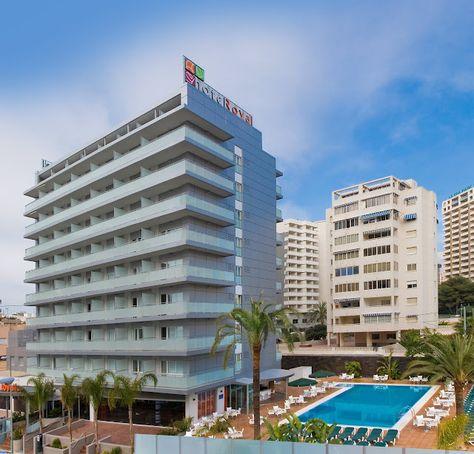 Hotel RH Royal - Edificio y piscina