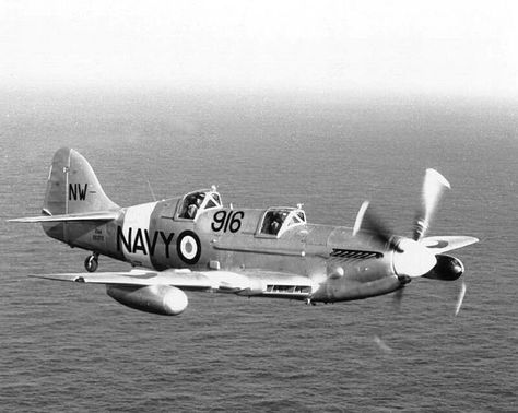 Fairey Firefly two seater trainer in flight (Date and location - küchenarbeitsplatte online bestellen