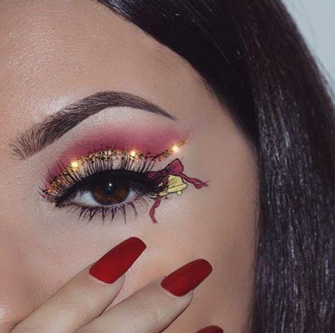 🌸COSMETICS/TOOLS 1.Kylie Cosmetics holiday edition  instagram|kyliecosmetics 2. Morphe Brushes KATHLEEN LIGHTS PALETTE Limited editionGilded Set instagram