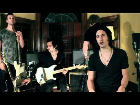 THE ENVY -1 Guy 5 Guitars - Somebody That I Used To Know - Gotye (cover)    I love the lead singer, what a voice. Saw them play with KISS on tour and fell in love <3