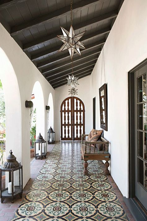 Mix and Chic: A beautifully layered and charming Spanish Colonial Revival. - Mix and Chic: A beautifully layered and charming Spanish Colonial Revival. House Design, Spanish Style Bathrooms, Home, Colonial Revival, Tuscan Style, Colonial House, Mediterranean Home Decor, Spanish House, Colonial Style