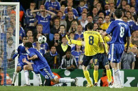 El 'Iniestazo' de Stamford Bridge. Don Andrés mete al Barça en la final de Champions en el descuento (2009)