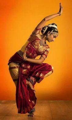 Danseuse de Bharathanatyam