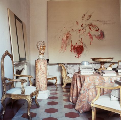 """""""Roman Classic Surprise,"""" again: In nest reprised Horst's 1966 photo essay of Cy Twombly's palazzo. """"You are looking at the birth of a new style of interior decoration,"""" the magazine wrote. Photo by Horst. P Horst Cy Twombly, Interior Exterior, Interior Architecture, Palazzo, Rome Apartment, Le Living, Living Rooms, Shabby Chic, Scandinavian Design"""