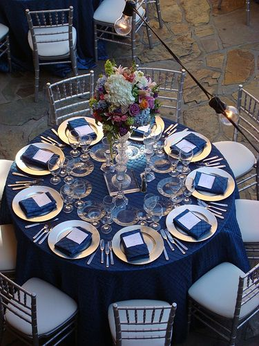 Wedding reception flowers table centerpiece ideas for 2019 Wedding Reception Flowers, Wedding Reception Decorations, Wedding Themes, Blue Wedding, Wedding Centerpieces, Wedding Table, Wedding Colors, Dream Wedding, Reception Table