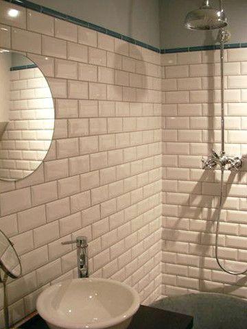 Badezimmer mit Metro-Fliesen u2026 Pinterest - fliesen für badezimmer