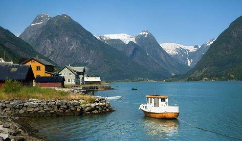Visit Bergen, Norway for an unforgettable experience! #travel #travelblogger #bergen #norway #scandinavia #topten