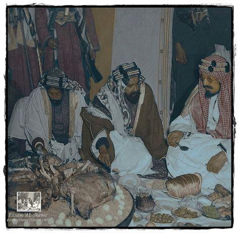 الملك عبدالعزيز آل سعود و الشيخ سلمان بن حمد ال خليفة Egyptian History Saudi Arabia Culture Old Art