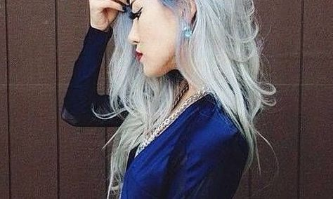 Latest Hair Trend: Colorful Roots