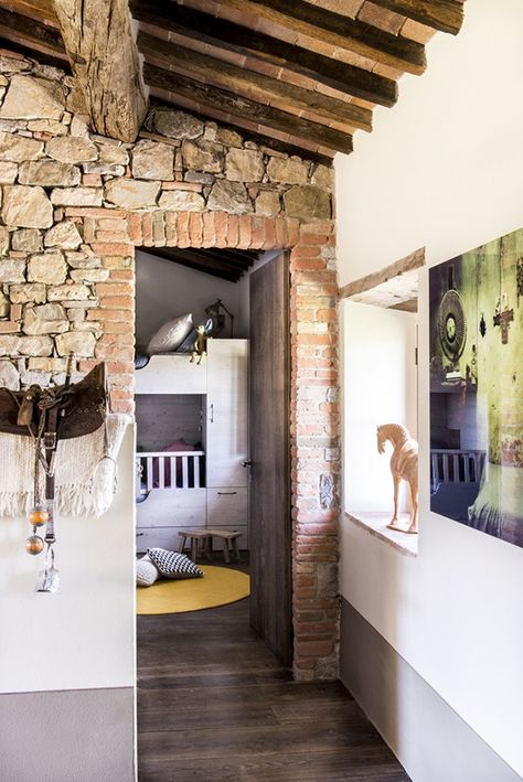 Arredamento Country Toscana.Enchanting Tuscan Farmhouse With Modern Rustic Details La