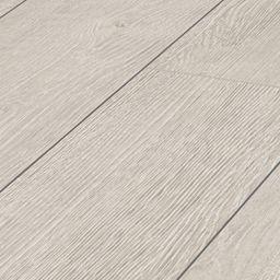 Wickes Albero Oak Laminate Flooring 1 48m2 Pack Wickes Co Uk White Oak Laminate Flooring Oak Laminate Flooring Oak Laminate