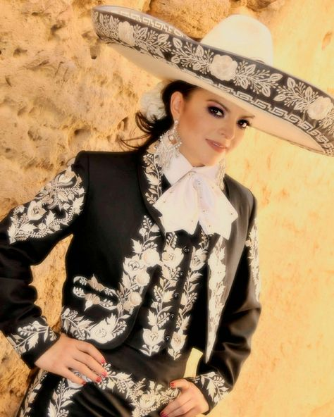 Charra Mexicana~ Beautiful!!