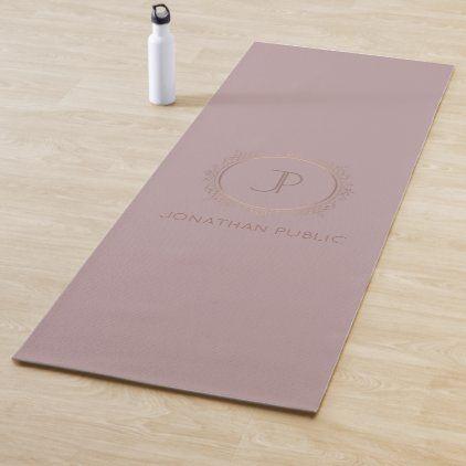 Elite Design Gold Look Monogram Fitness Template Yoga Mat Zazzle Com In 2020 Monogram Inspirational Gifts Yoga Mat