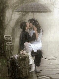 Once upon a time.... kiss in the rain Photo: Walmir Gastão G+