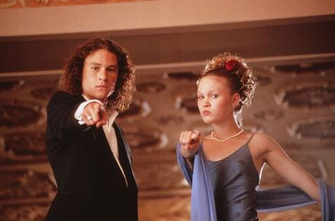 Dec 2019 - Julia Stiles starred with the late Heath Ledger in the cult classic 10 Things I Hate About You. The actress recently opened up about working with the actor, even recalling one of her favorite days on set with him. Teen Movies, Iconic Movies, Good Movies, Movie Tv, Indie Movies, Netflix Movies, Julia Stiles, Heath Ledger, Bon Film