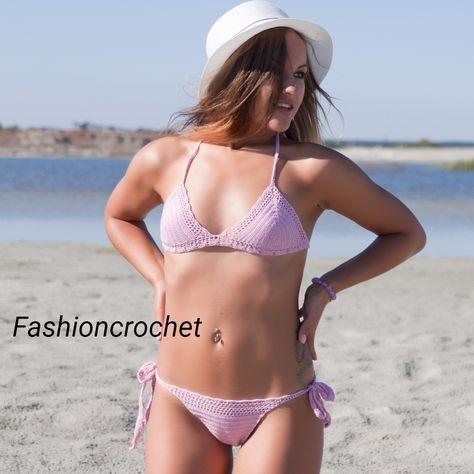 Ролики девушки в розовом купальнике — img 3