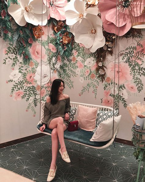 Do you love incorporating aesthetic spots into your trips? Well lucky for you, so do I, and I've compiled a list of the 10 best Instagram spots in Macau!