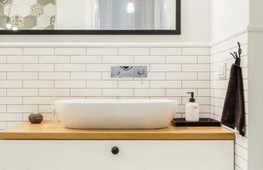 Ergonomische Eck Badewanne Mit Dusche Und Whirlpool Funktion Von Teuco In 2020 Bad Badewanne Dusche Badezimmer Waschtischplatte Mit Unterschrank