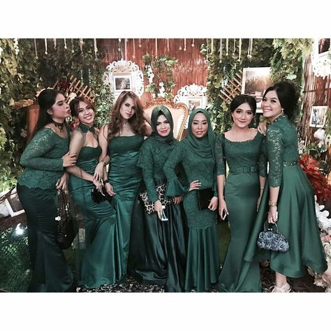 Indonesian Bridesmaid Inspirasi Kebaya Vani Kebaya Dress