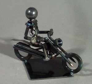 Bolt People Sculptures Steve Appel Uses Shipyard Welding Skills To Make Art Sculptures Bolt Sculpture Images