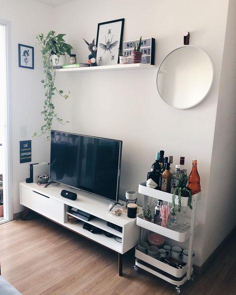 """O apartamento do andar 29 on Instagram: """"Quem mais começou o ano com vontade de renovar? 🥂 A gente sempre quis ter um espaço de bar aqui em casa, mas não tínhamos achado uma…"""""""