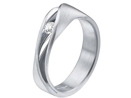 Een bijzondere verlovingsring maakt je huwelijksaanzoek tot een heel speciaal moment. Bekijk de fonkelende toppers uit onze unieke collectie verlovingsringen!