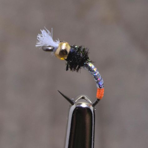 Red Holo Cheeks Size 16 Fine Gold Holo Rib 3 x Black Buzzer Trout Fly Flies