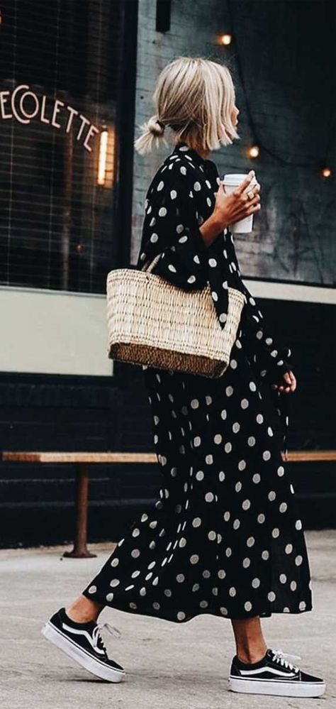 flowy dress, spring outfit dress, best spring outfit 2020, knit jumper spring 2020, what to wear in spring, spring fashion 2020