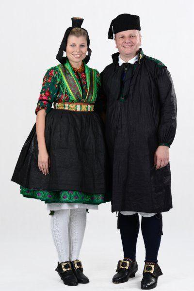 Schwalmer Tracht Hessische Vereinigung Fur Tanz Und Trachtenpflege Volkstracht Dirndl Tanzen