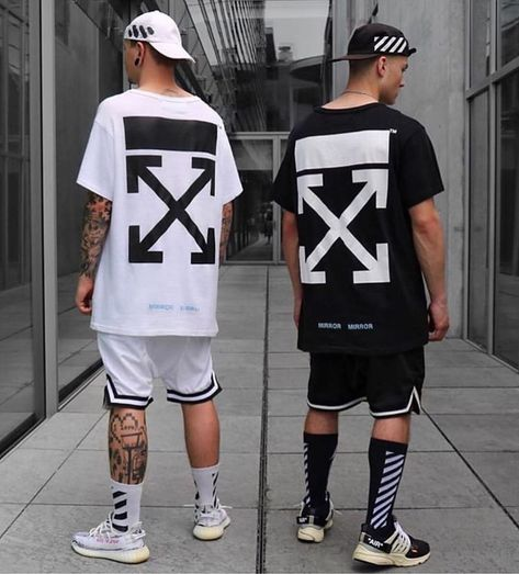 Left or Right? Which fit do you prefer?   @tommeeblack x @e.ble #outfitsavant