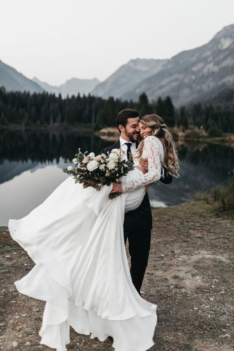 wedding pictures Long Sleeve Two Pieces Lace Round Neck Beach Wedding Dresses Chiffon Boho Bridal Gowns Wedding Photography Poses, Wedding Poses, Wedding Photoshoot, Mehendi Photography, Photography Tips, Couple Photography, Wedding Couple Photos, Ideas For Wedding Pictures, Wedding Couples