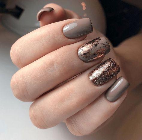 10 einzigartige Möglichkeiten, um Ihre Gel-Nagel-Designs zu präsentieren: # 8. Marble & Glitter Gel Nail ...       gorgeousnails #perfectnails #prettynails #uvgelnagellack #nagellacktrends #foilnailart #foilnails #nailswithfoil #howtodonails