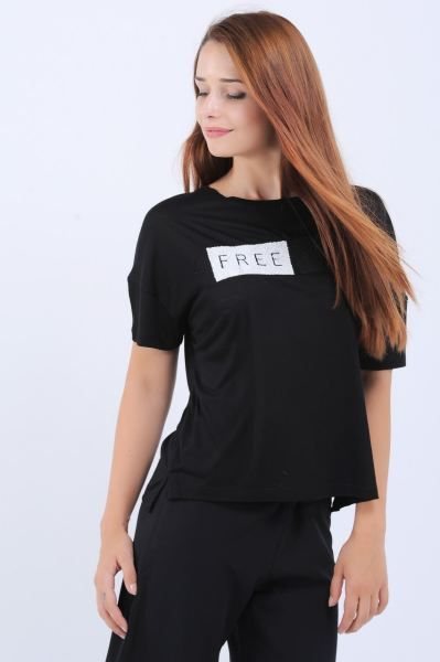 Bayan Tisort Free Time Baskili Siyah T Shirt Tesettur Klasik Genc Magaza Tasarim Kombin Style Modelleri Otantik Genc Salas Siyah Moda Trendler