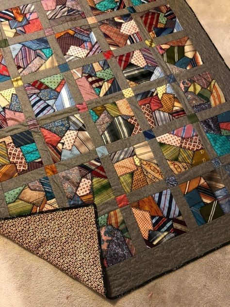 Quilting Projects, Quilting Designs, Necktie Quilt, Crumb Quilt, Scrap Quilt Patterns, Crazy Patchwork, Patchwork Ideas, String Quilts, Scrappy Quilts