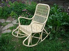 Плетеные кресла-качалки разных моделей, все плетеные кресла-качалки уникальны и…