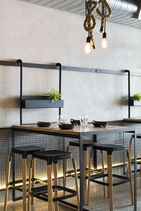 Nestled in the culinary heart of Brunswick, Lygon Street is the ideal location for Little Oscar, the restaurant and bar setting out to redefine the typical b...