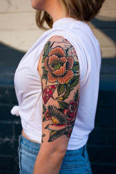 A blossom-tree and bird-silhouette free zone for enthusiasts of the traditional American style of tattooing. Quarter Sleeve Tattoos, Arm Sleeve Tattoos, Sleeve Tattoos For Women, Women Sleeve, Tattoos Mandala, Tattoos Geometric, Flower Tattoos, Henna Tattoos, Tatoos