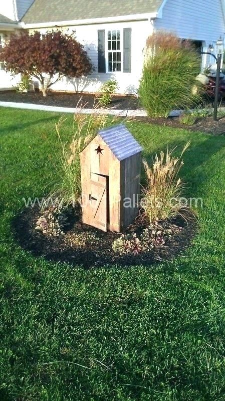 Water Well Cap Covers Wishing Pump Cover Adorable House Ideas Plans Can Build Housing Any Decorative Impressi In 2020 Pallets Garden Pallet Home Decor Outdoor Projects