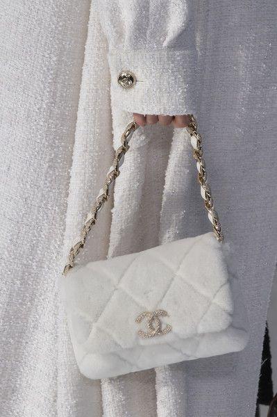 Chanel at Paris Fashion Week Fall 2020 - Details Runway Photos Luxury Purses, Luxury Bags, Luxury Handbags, Purses And Handbags, Chanel Handbags, Replica Handbags, Fashion Bags, Fashion Accessories, Fashion Handbags